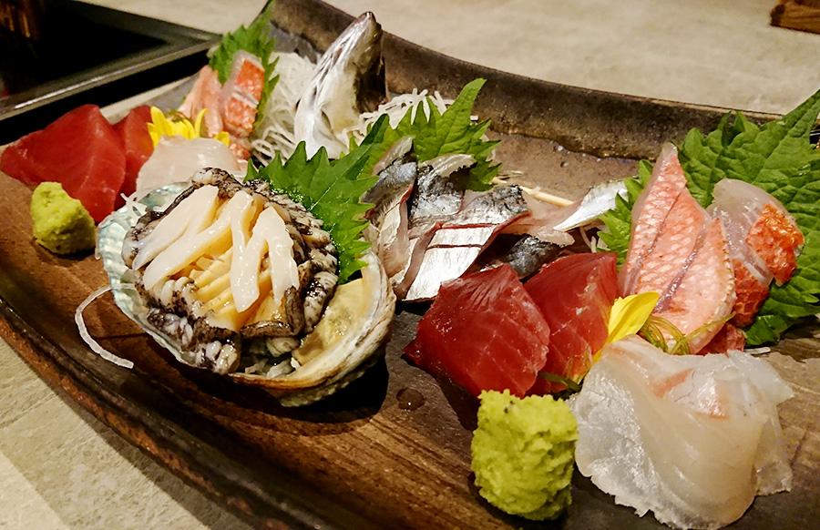 風月無辺 夕食の地魚の盛り合わせ