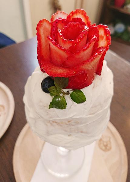 苺のプリンセスパフェ